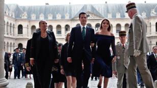 Le président mexicain, Enrique Peña Nieto et sa femme se sont rendus lundi 13 juillet à l'hôtel des Invalides, accompagnés par la ministre de la Justice, Christiane Taubira.