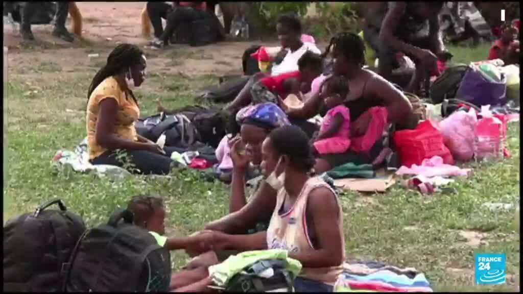 2021-09-22 13:07 Haitianos regresan a México para evitar ser deportados a su país desde Estados Unidos