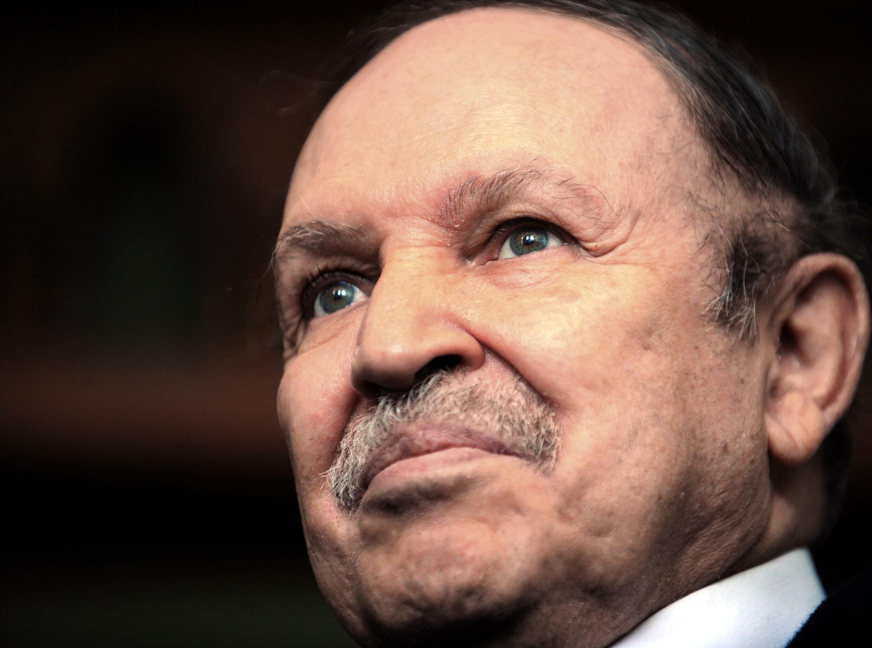 الرئيس الجزائري السابق عبد العزيز بوتفليقة في صورة التقطت في الثامن من شباط/فبراير 2009