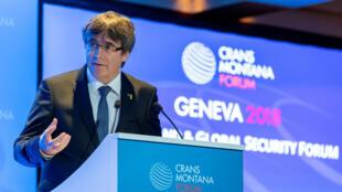 El expresidente de la Generalitat de Cataluña, Carles Puigdemont, en el Foro Crans Motana, en Ginebra, Suiza. 25 de octubre de 2018.