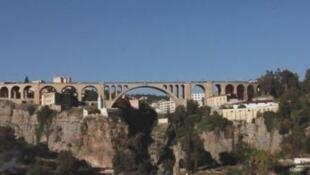 مدينة قسنطينة معروفة بجسورها العريقة.