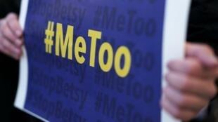 Una pancarta #MeToo durante la marcha para denunciar las violencias contra las mujeres en Washington, el 25 de enero.