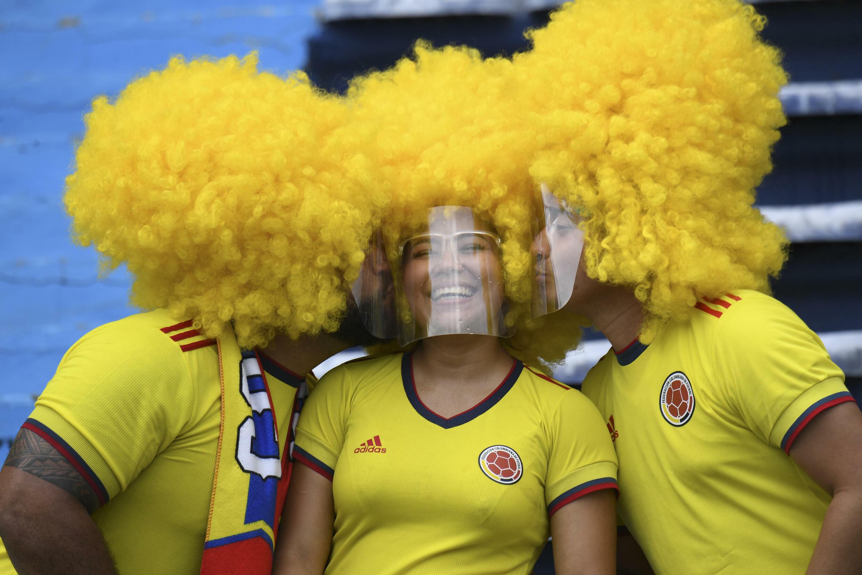 Torcedores da seleção colombiana na partida contra o Brasil nas eliminatórias da Copa do Mundo de 2022 (0-0) em Barranquilla, na Colômbia, em 10 de outubro de 2021