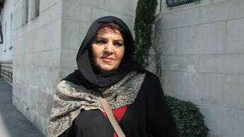 """""""Il y a des fous partout, certains mettent leurs actes sur le compte de l'islam, mais cela ne veut rien dire."""" Fatiha Messamer, 58 ans. Photo : Charlotte Oberti."""