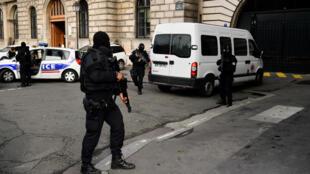 Foto de archivo de la policía francesa durante los ataques terroristas de noviembre de 2015.