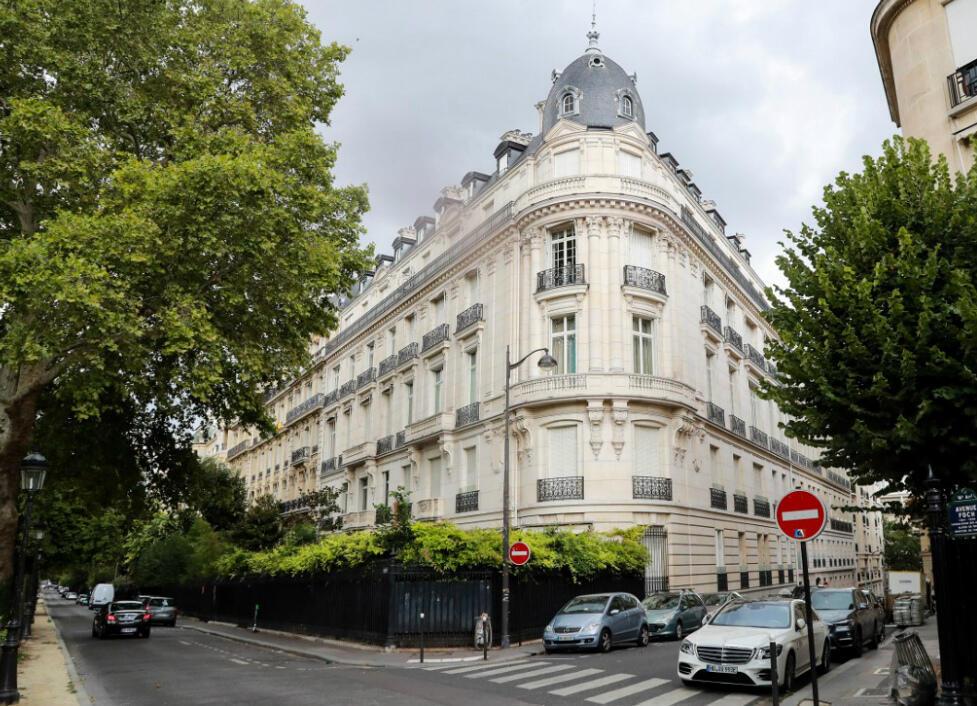 Jeffrey Epstein a loué un appartement dans cet immeuble du 16e arrondissement à Paris.