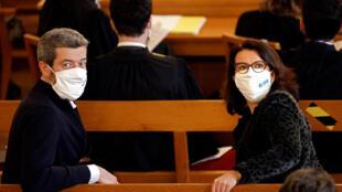 """Jean-François Julliard, directeur général de Greenpeace France (à gauche) et Cécile Duflot, directrice générale d'Oxfam, assistent à l'ouverture du procès de """"L'Affaire du siècle"""", au tribunal administratif de Paris, le 14 janvier 2021."""