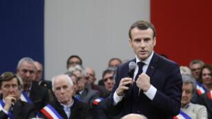Emmanuel Macron, le 18 janvier 2019, s'exprime devant 600 maires réunis à Souillac dans le cadre du grand débat national.