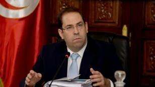 يوسف الشاهد مترئسا اجتماعا وزاريا في تونس في 30 كانون الأول/ديسمبر 2016