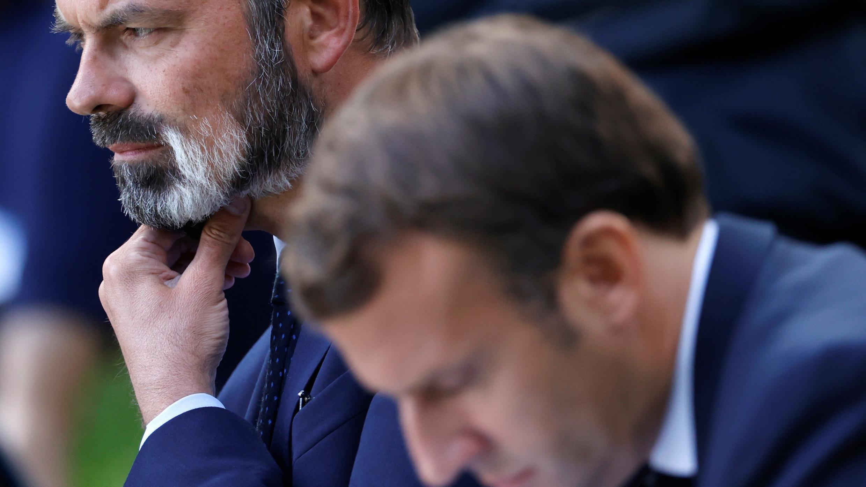 El presidente francés, Emmanuel Macron, y el primer ministro francés, Edouard Philippe, asisten a una reunión con miembros de la Convención Ciudadana sobre el Clima (CCC) para debatir sobre las propuestas medioambientales en el Palacio del Elíseo en París, Francia, el 29 de junio de 2020.