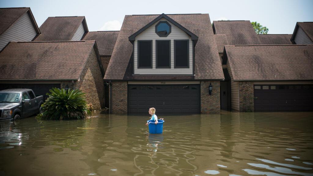 Le président américain Donald Trump doit se rendre, samedi 2 septembre, à Houston et Lake Charles pour rencontrer des sinistrés.