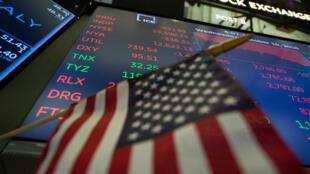 """Donald Trump a déclaré que la chute de Wall Street était une """"correction"""" attendue depuis longtemps."""