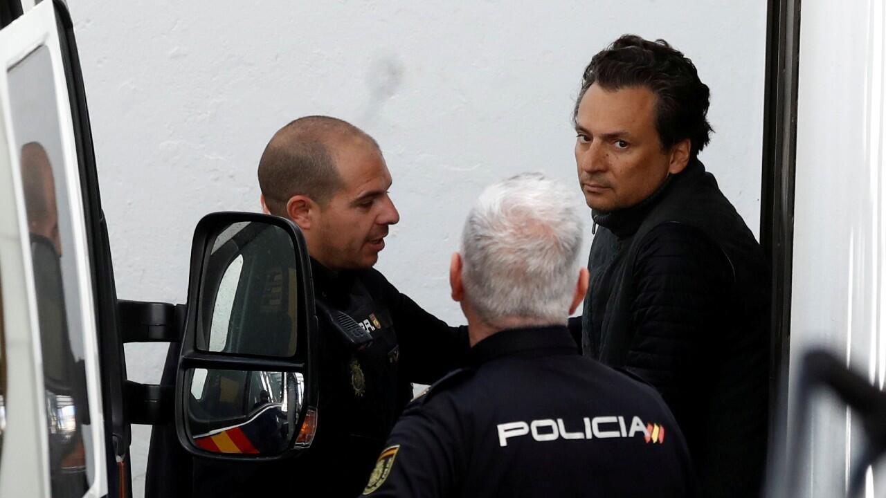 Emilio Lozoya (derecha) podría ser procesado por recibir presuntos sobornos de parte de la empresa brasileña Odebrecht