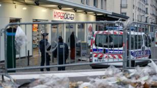 L'Hyper Cacher a rouvert ses portes le 15 mars sous haute surveillance policière