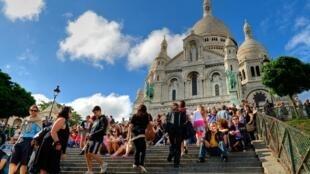 En la primera mitad del 2018 unos 17 millones de turistas visitaron la capital francesa.
