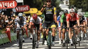 Le cycliste belge Dylan Groenewegen a remporté, samedi 14 juillet, la 8e étape du Tour de France à Amiens.