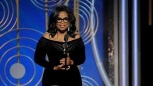 Oprah Winfrey durante su discurso tras recibir un Globo de Oro honorífico.