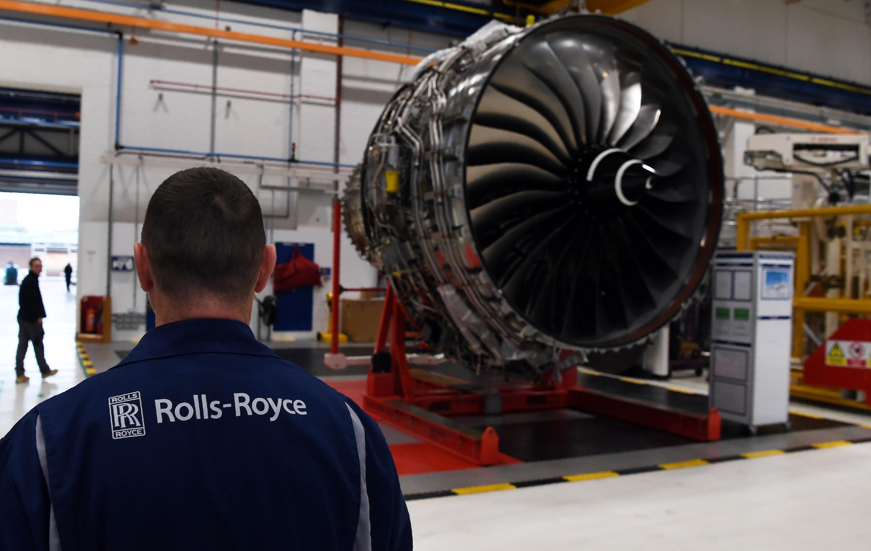 Dans une usine Rolls-Royce à Derby, dans le centre de l'Angleterre, le 30 novembre 2016