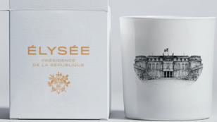 """Outre ce mug, l'Élysée a suggéré d'autres types de produits dérivés de sa nouvelle marque """"Elysée-Présidence de la République"""" tels que des sacs."""