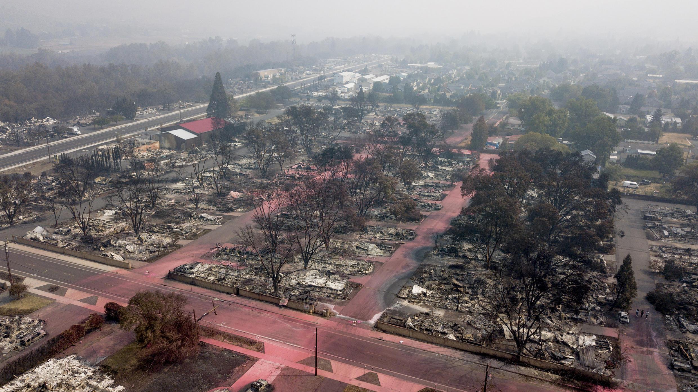 El Almeda Fire destruyó prácticamente todo el Talent Mobile Estates, un parque con unas 100 casas rodantes de madera en Talent, Oregon.