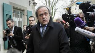 Michel Platini est suspendu de toute activité liée au football pour quatre ans.