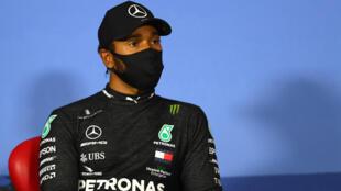 البريطاني لويس هاميلتون سائق فريق مرسيدس، في صورة مؤرخة الرابع من تموز/يوليو 2020 على هامش جائزة النمسا الكبرى ضمن بطولة العالم للفورمولا واحد.