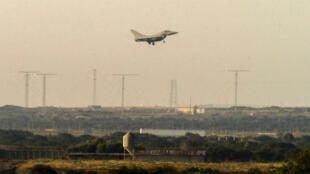 Les États-Unis, le Royaume-Uni et la France ont frappé ensemble l'arsenal chimique syrien, samedi 14 avril.