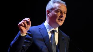 Le ministre de l'Économie, Bruno Le Maire, a repoussé la signature d'un décret d'application pour une mesure d'interdiction du dioxyde de titane dans l'alimentation.