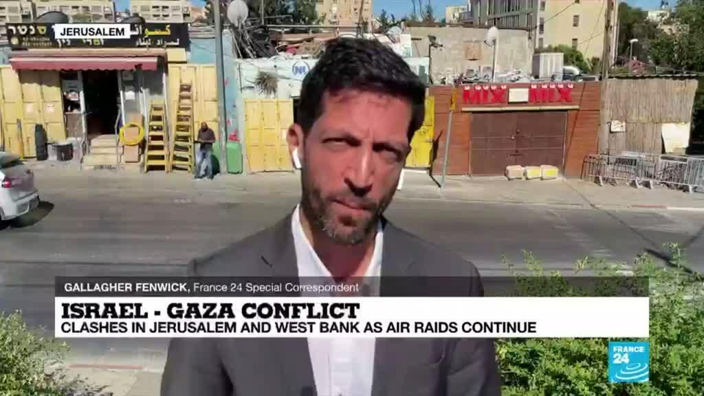 2021-05-19 08:02 Israel-Gaza conflict: Clashes in Jerusalem and West Bank as air raids continue