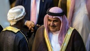 وزير خارجية البحرين الشيخ خالد بن أحمد الخليفة خلال الاجتماع الطارئ لوزراء الخارجية العرب في القاهرة نوفمبر/تشرين الثاني 2017