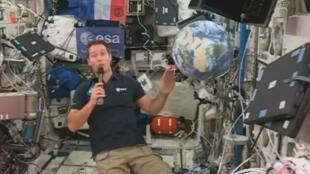 L'astronaute français Thomas Pesquet s'est exprimé en direct de la Station spatiale internationale, le 23 novembre 2016.
