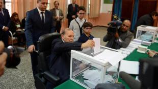الرئيس الجزائري نوفمبر 2017