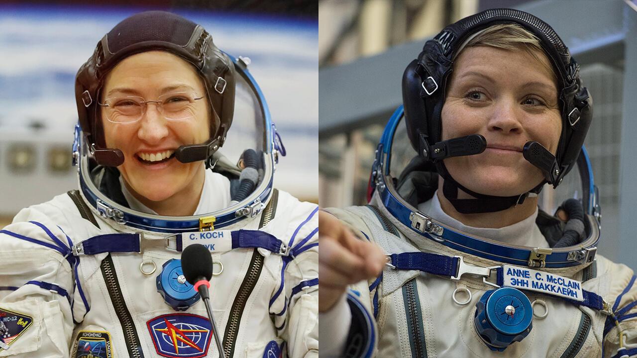 Christina Koch, integrante de la tripulación de la EEI (izquierda) en Kazajistán el 14 de marzo de 2019 y la astronauta Anne McClain (derecha) en Star City, fuera de Moscú, el 14 de noviembre de 2018.