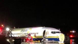 Un Boeing 737 a fini son atterrissage, le 3 mai 2019, dans le fleuve Saint Johns près de Jacksonville, en Floride.