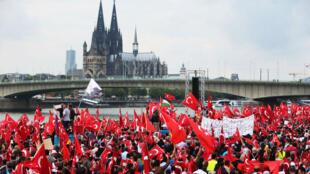 Des partisans pro-Erdogan à Cologne, en Allemagne, le 31 juillet 2016.