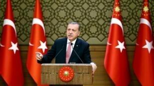 صورة نشرتها الرئاسة التركية للرئيس أردوغان بالمجمع الرئاسي في أنقرة 2 أغسطس 2016