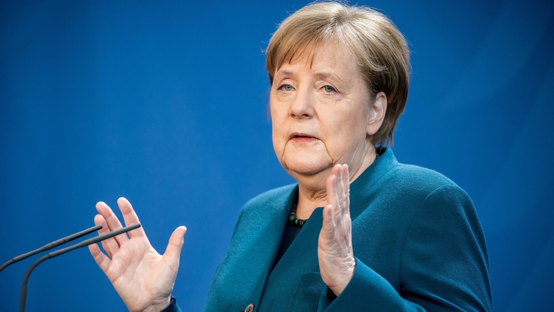 La canciller alemana, Angela Merkel, hace una declaración a los medios sobre la propagación del coronavirus en su país, el 22 de marzo de 2020.
