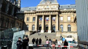 Une ancienne responsable d'une cellule de déradicalisation est jugée lundi à Paris.