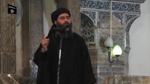 Abou Bakr al-Baghdadi le 5 juillet 2014 en Syrie.