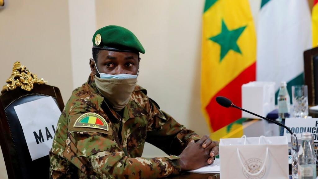 """ما هي أسباب عجز المجتمع الدولي عن وقف """"وباء"""" الانقلابات العسكرية في أفريقيا؟"""