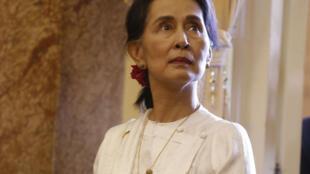 La dirigeante birmane Aung San Suu Kyi, le 13 septembre lors d'un déplacement à Hanoï, au Vietnam.
