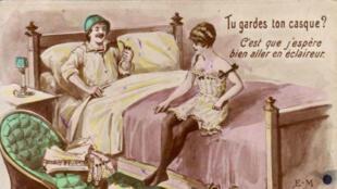 Carte postale datant de la Première Guerre mondiale représentant un poilu et une prostituée.
