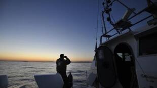 زورق تابع لقوات خفر السواحل اليونانية