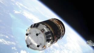 Le HTV 2 à l'approche de la Station spatiale internationale.