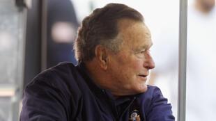L'ancien président américain George H.W. Bush souffre de graves problèmes respiratoires