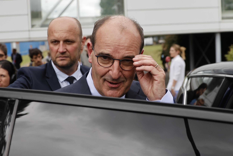 رئيس الوزراء الفرنسي الجديد جان كاستكس بعد يوم من تعيينه في منصبه، العاصمة باريس، 4 يوليو/تموز 2020.