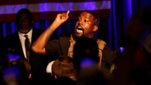 مغني الراب الأمريكي كاني ويست يلقي خطابا في أول تجمع انتخابي لأنصاره استعدادا للانتخابات الرئاسية الأمريكية في شهر نوفمبر/تشرين الثاني المقبل. 19 يوليو/تموز 2020.