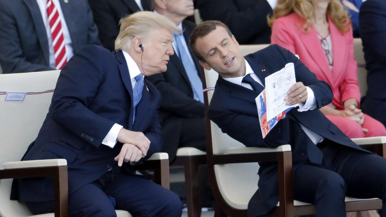 Donald Trump et Emmauel Macron durant le défilé du 14 juillet 2017, sur les Champs-Élysées à Paris.
