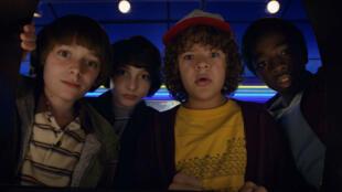 "Noah Schnapp, Finn Wolfhard, Gaten Matarazzo et Caleb McLaughlin, les héros de ""Stranger Things 2""."