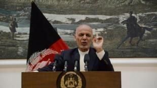 الرئيس الأفغاني أشرف غني في مؤتمر صحافي في قصر الرئاسة في كابول في 30 حزيران/يونيو 2018